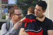 Wem gehört Baby Carmen?Schwule Eltern streiten mit Leihmutter