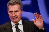 Oettinger verteidigt Privatjet-Flug mit Russland-Lobbyisten