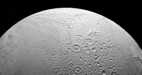 Forscher entdecken Grundlage für Leben auf Saturn-Mond