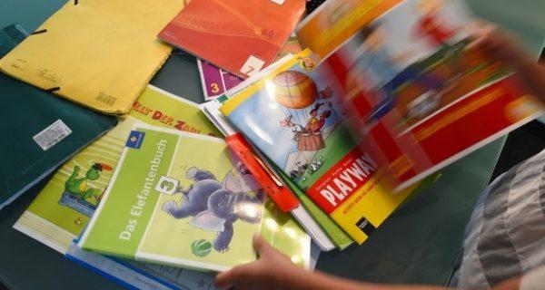"""Schulbücher: """"So können Schüler nur marktskeptisch werden"""""""