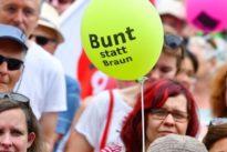 Tausende demonstrieren gegen rechtsextremen Aufmarsch