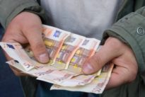 Junge verschenkte Geld womöglich nicht freiwillig