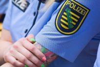 Gericht erlaubt große Tattoos bei Polizisten