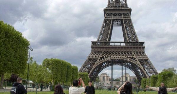 Weder Urlaub noch Schonzeit für Macron