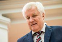 Klares Bekenntnis: Mehrheit der Deutschen lehnt Kreuze in Behörden ab