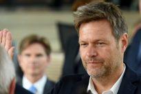 Eklat im Kieler Landtag: Habeck entschuldigt sich für vermeintlichen Stinkefinger