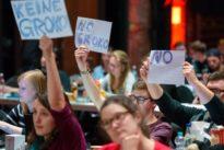 Große Koalition: Union umgarnt und warnt die SPD
