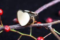 Schmuckstücke: Ein Ringfinger kann auch was fürs Herz sein