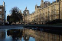 Peinlich für May: 160 versuchte Porno-Aufrufe pro Tag aus dem Parlament