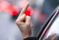Fehlende Toleranz: Stinkefinger an der Ampel