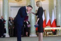 Polen baut Regierung um: Das Anti-EU-Lied tönt auf einmal leiser