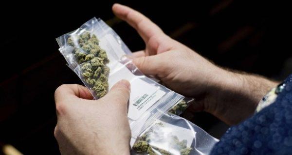 München: Cannabispatienten müssen Waffenschein abgeben