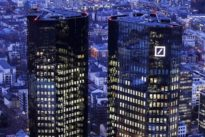 John Cryan: Deutsche-Bank-Chef verteidigt Milliardenboni