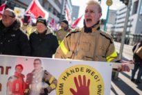 Frankfurt: Rettungskräfte demonstrieren gegen Angriffe