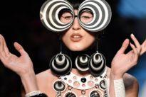 Haute-Couture-Schauen: Gaultier zeigt psychedelische Mode in Paris