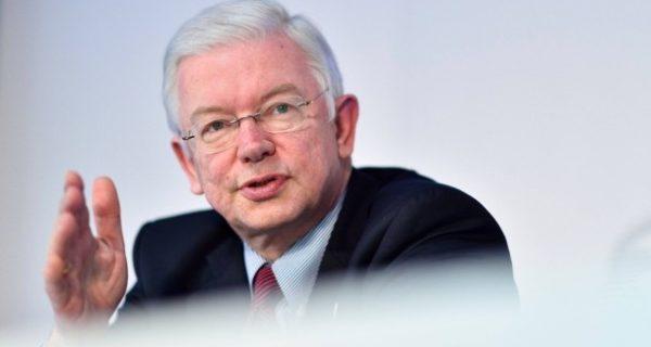 F.A.Z. exklusiv: Roland Koch: Merkel muss Nachfolge regeln