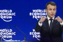 Frankreich: Le Pen empört sich über Stinkefingerfoto mit Macron