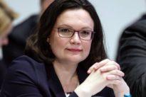 Wahl für den Parteivorsitz: Außenseiterin Lange tritt gegen Andrea Nahles an