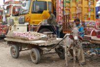Kunstvolles aus Karachi: So werden Schrotthaufen zu farbenfrohen Fahrzeugen