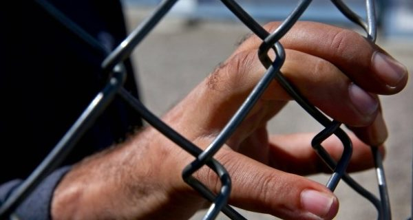 Vier Schleuser festgenommen: Griechische Polizei befreit Migranten