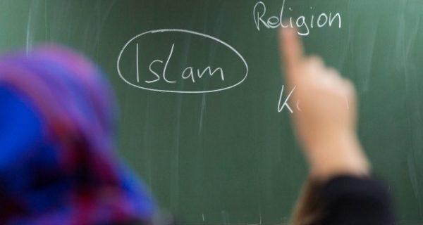 """Interview mit Islam-Expertin: """"Mädchen ohne Kopftuch werden gemobbt"""""""