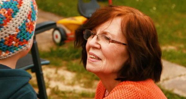 Vierlingsmutter Annegret Raunigk (68) hat ganz schön zu kämpfen