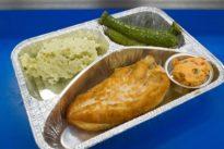 Flugzeug-Caterer: Unten kochen, oben essen
