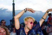 Unwetterwarnung in Berlin: Party zum Christopher-Street-Day fällt zum Teil ins Wasser
