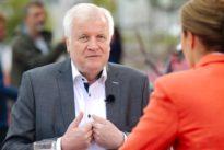 Innenminister über Asylstreit: Seehofer: Würde exakt wieder so handeln