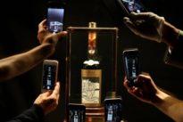 Weltrekord in Edinburgh: Whisky-Flasche für fast eine Million Euro verkauft
