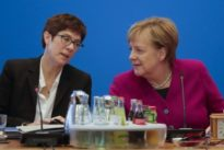 Nach Merkels Teil-Rückzug: Machtkampf um den CDU-Vorsitz