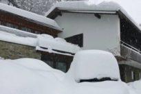 """Eingeschneit in Miesbach: """"Sorge bereitet uns der pappige Hartschnee"""""""