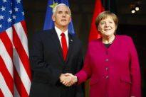 Fragiles Bündnis: Zusammenstehen