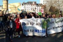"Schüler fürs Klima: ""Friss Tofu, du Würstchen"""