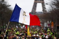 """Proteste in Frankreich: """"Gelbwesten"""" ziehen abermals durch Paris"""