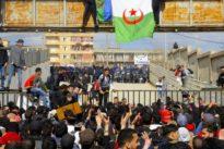 Wahlen in Algerien: Friedlich gegen die Mauer der Angst