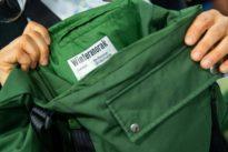 Taschen aus alten Uniformen: Schicker als die Polizei erlaubt