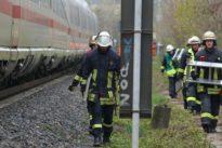 Gerissene Oberleitung : Bahnstrecke zwischen Köln und Düsseldorf wieder frei