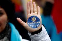 Haftstrafe: Iranerin muss wegen Kopftuch-Protest ins Gefängnis