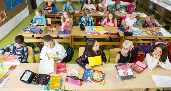 """""""Gegen politischen Islam"""": Österreich beschließt Kopftuchverbot für Grundschulkinder"""