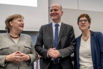 Brinkhaus auf Distanz zu AKK: Die Union streitet über die CO2-Steuer