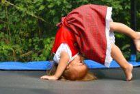 WHO-Empfehlung für Kleinkinder: Drei Stunden Bewegung – keine Tablets!