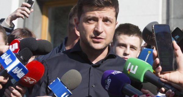 Erste Amtshandlung: Ukrainischer Präsident Selenskyj löst Parlament auf