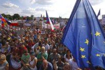 Massendemonstration in Prag: Tschechen fordern Rücktritt des Regierungschefs