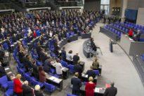 Größe des Parlaments: FDP droht Union bei Wahlrechtsreform