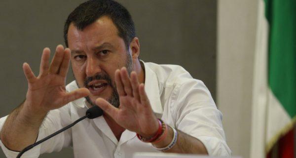 Verdienstmedaille für Rackete: Salvini wirft Frankreich Heuchelei vor