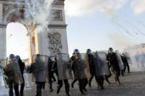 Mit Gewalt gegen Regierungen: Weltweiter Aufruhr