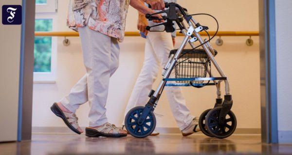 Das Virus bedroht die Alten: Nur geschützte Pfleger sind sichere Pfleger