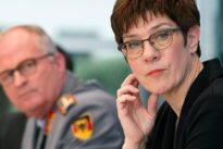 Freiwillige melden sich: Bundeswehr will zivile Krisen-Helfer unterstützen
