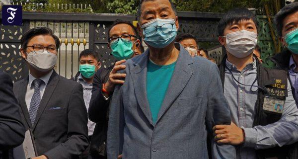 Im Schatten der Corona-Krise: Peking erhöht den Druck auf Hongkongs Demokraten
